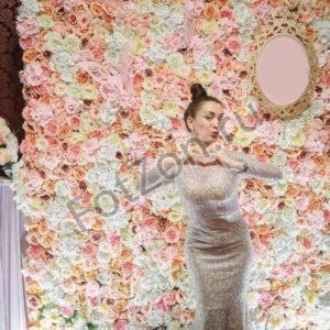 Цветочная стена на свадьбу в аренду
