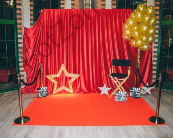 Фотозона с красной ковровой дорожкой в стиле Голливуд и Оскар в аренду Москва